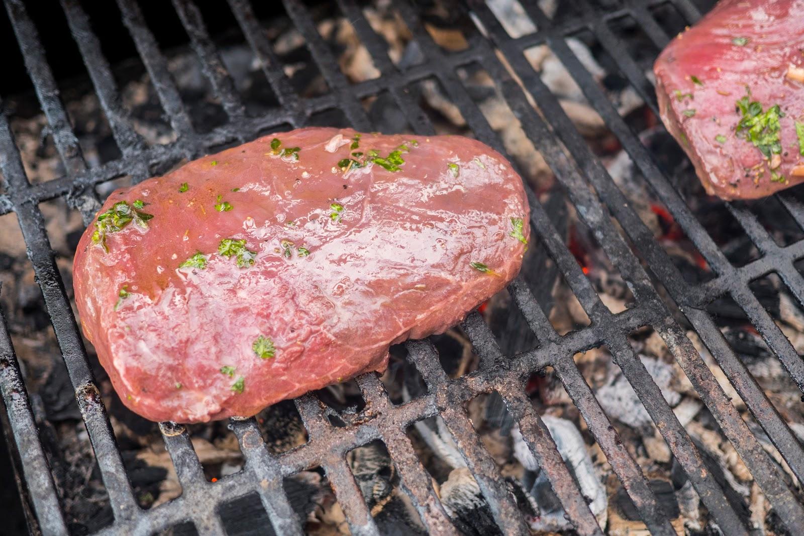 flank_steak_grillissa25cc2588_2-1
