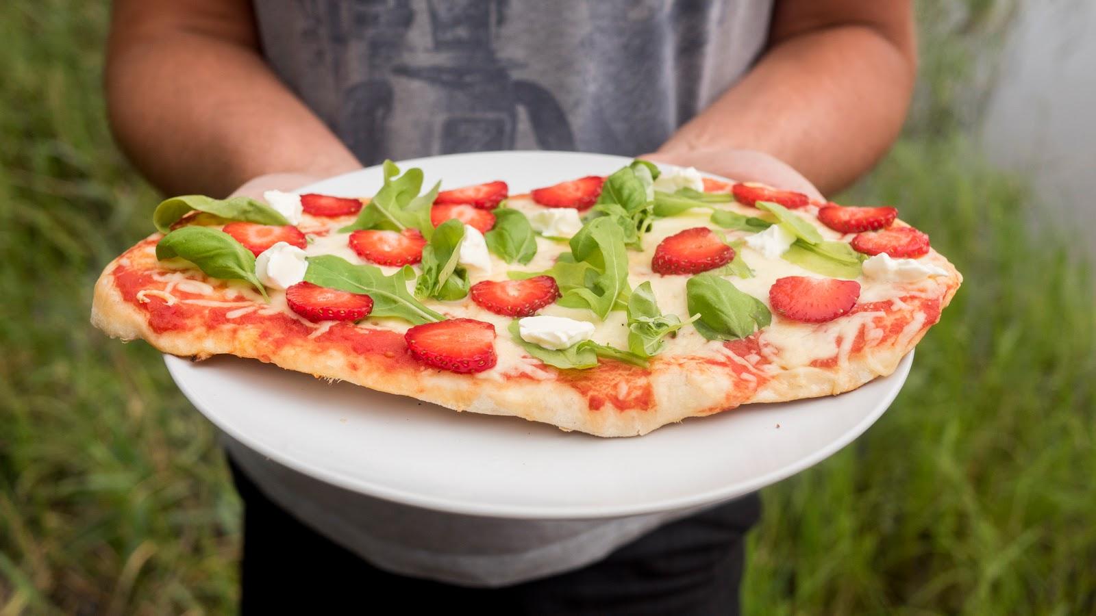 mansikka_grillipizza_resepti_-1